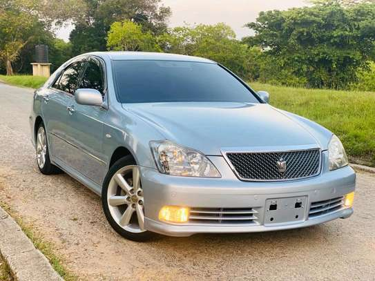 2005 Toyota Crown Athlete image 3