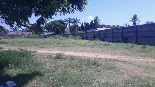 PLOT FOR SALE MBEZI BEACH image 4