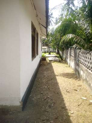 3 bed room house for rent at mbezi beach makonde image 3