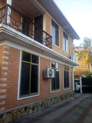 7 bedrooms House/Office to let at MAKUMBUSHO near Millennium Towered image 2