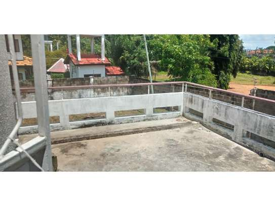4bed house with small godown in big compound at ada estate image 12