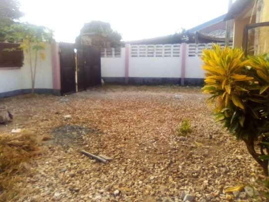 1 bed room house for rent at kinondoni studio image 2