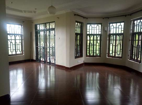 A NICE 3BEDROOMS APPARTMENT AT NJIRO BY PASS image 2