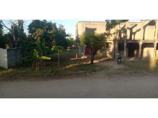 un finshed 4bed double storie at mbezi beach  1200sqm area image 9