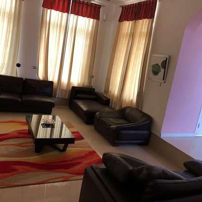4bedroom house fully furnished image 6