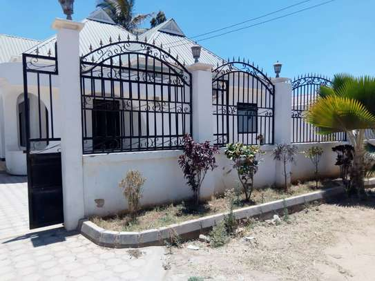 HOUSE FOR RENT AREA D' DODOMA image 3