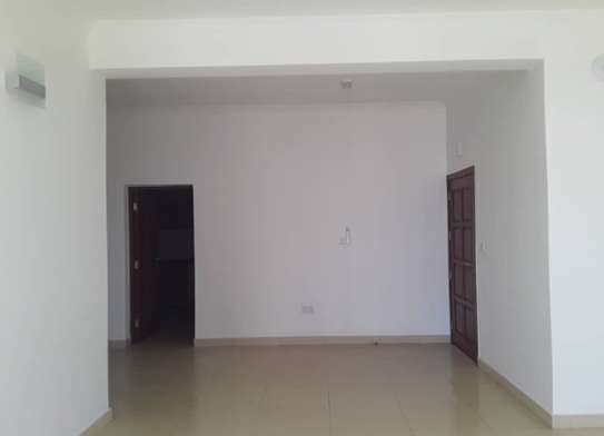 3 bedrooms apartment ( Victoria) for rent image 5