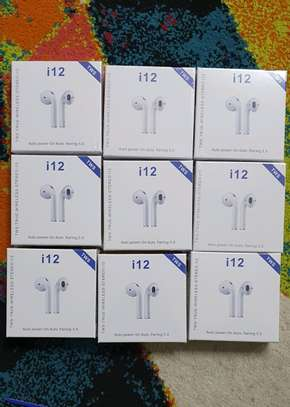 I12 tws wireless earbuds image 1