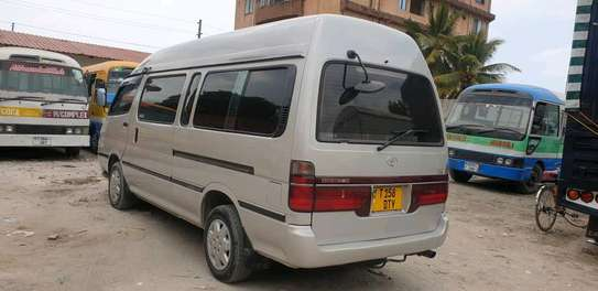 2000 Toyota Hiace Super Custom