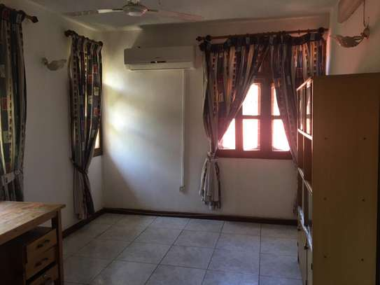 5bed room all ensuite house at msasani kimweri near cap town fish market rant $1800 image 8