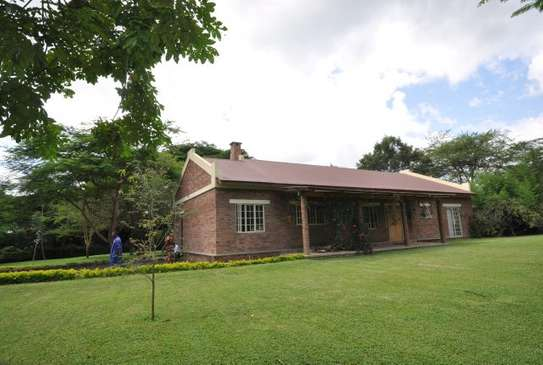 3 bed room house in 5acre for sale at usa river arusha $550000 image 1