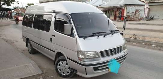 2000 Toyota Hiace Carrier image 1