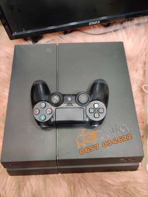 Ps 4  machine   /play station 4 image 2