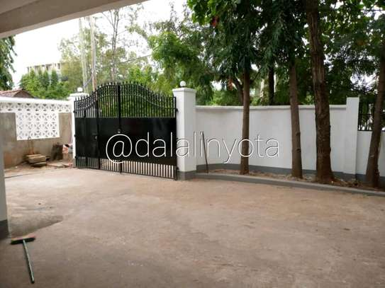 LOVELY HOUSE FOR RENT STAND ALONE image 10
