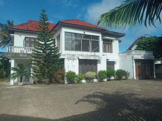 3bed room at mbez beach 1.2million image 1
