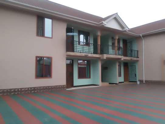 3BEDROOM APARTMENT HOUSE FOR RENT IN NJIRO image 1