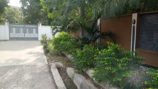 3 bed room beach plot apartment for rent at msasani image 2