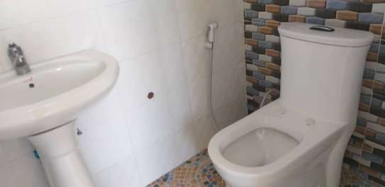 1 bed room house for rent  house is fully ferniture at mikocheni kwa warioba image 7