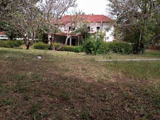 4Bedroom House at Masaki with Big Compound $2500pm image 1