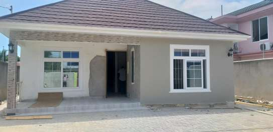 3BEDROOMS STANDALONE HOUSE 4RENT AT MIKOCHENI image 1