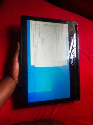 Asus Core i3  Touch Screen
