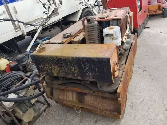 DOUBLE HAND COMPACTOR image 10