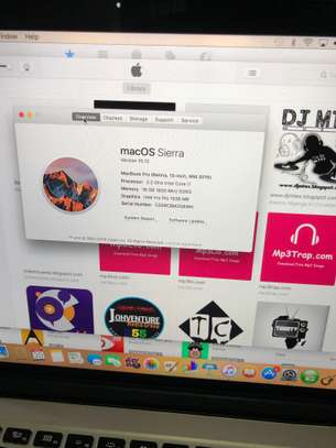Macbook pro 2015 15.4 inch Retina display i7 image 3
