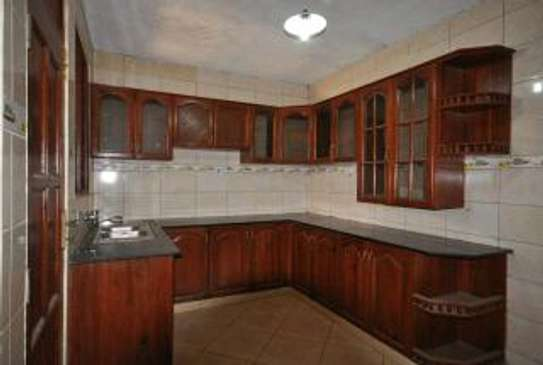 5 bdrm House for rent in mbezi Beach. image 8