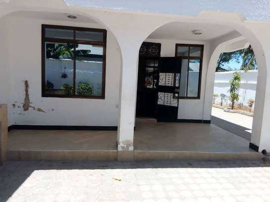 HOUSE FOR RENT AREA D' DODOMA image 9