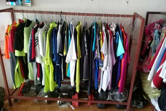 USED SPORTS T-SHIRTS