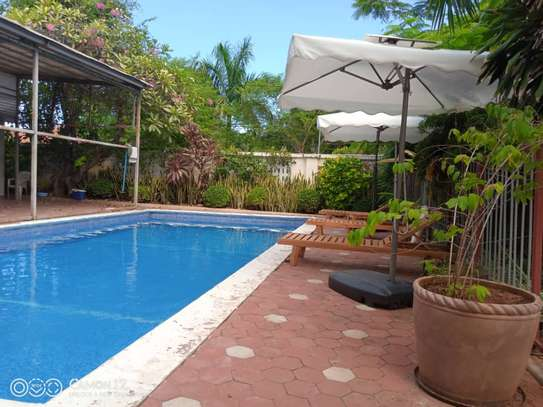 4 bed room brand new with pool for rent $3000pm at oyster bay dar image 5