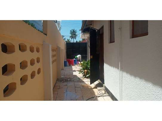 4 bed room house for rent tsh 1000000ml at mikocheni image 9