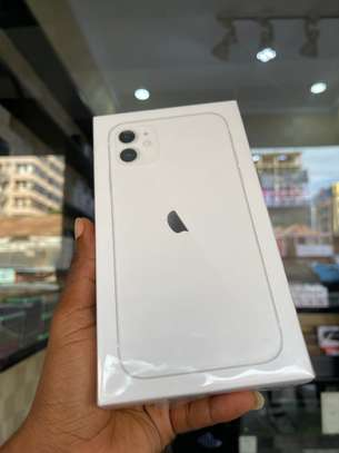 iPhone 11 64GB white brand new for sale image 3