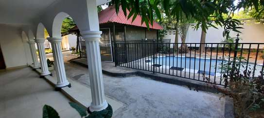 a 3bedrooms SEMIFURNISHED  standalone in MASAKI  is now available for RENT image 3