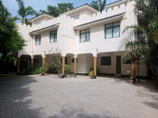 a 3bedrooms beach view villas are now available for rent at masaki cool street image 3