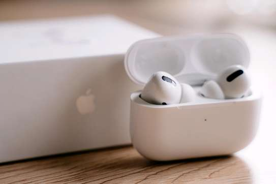 AIRPODS PRO 3 image 2