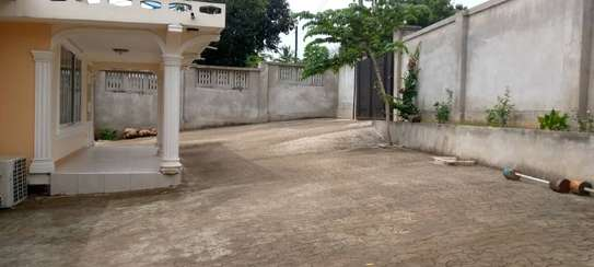 3bed house at kunduchi tsh1200000 image 1