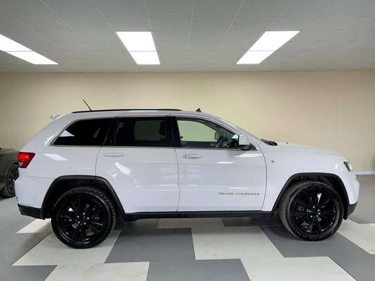 2013 Jeep Grand Cherokee image 9
