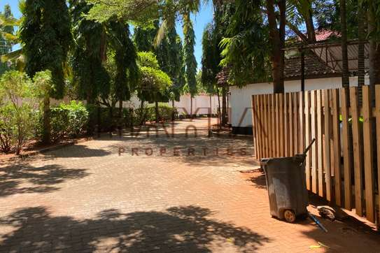 House for rent in Masaki image 2