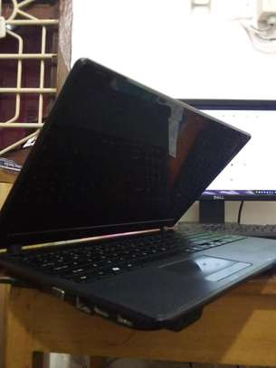 Acer laptop image 4