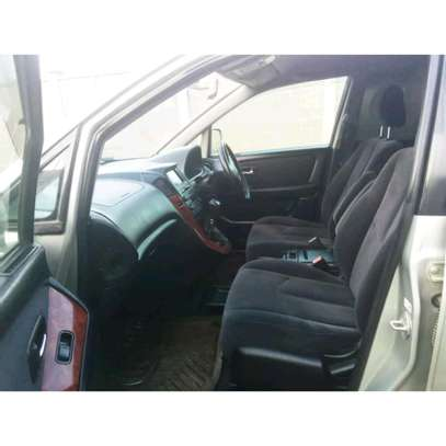 2002 Toyota Harrier image 8