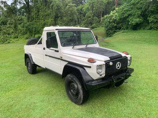 1994 Mercedes-Benz 290GD 4WD PICK UP USD 20,000/= UP TO DAR PORT TSHS 87MILLION ON THE ROAD image 1