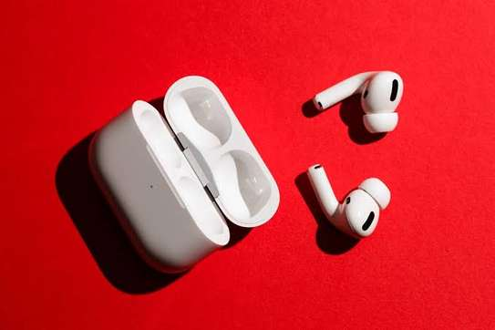 AirPods Min Pro FULLBOX BRAND NEW (OFFER) 35,000/= image 2