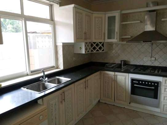 3BEDROOMS FULLYFURNISHED STANDALONE HOUSE 4RENT AT MIKOCHENI image 8