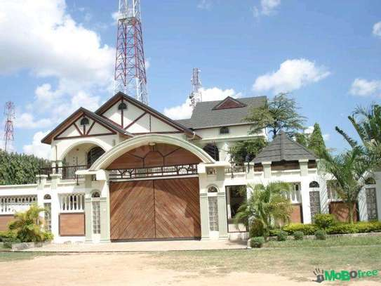 House for sale in mikocheni. image 2