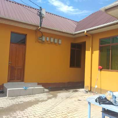 1 BDRM MASTER BED ROOM HOUSE  AT KINONDONI J image 1