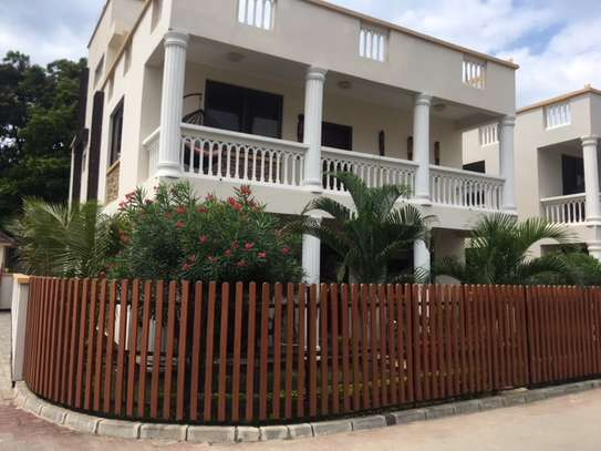 4 Bdrm Luxury  Furnished Villa with Pool & Gym, in the Heart of Masaki