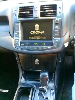 2008 Toyota Crown image 8