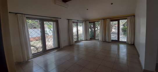 3 Bedroom House (Plus 2 Bdrm Guest Wing) For Rent In Oysterbay. image 12