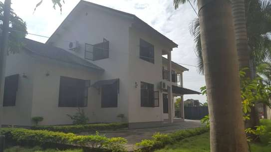 5 bed room house for sale at boko chasimba image 9
